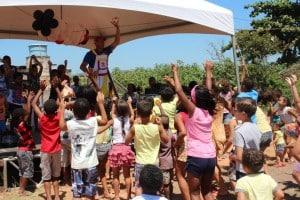 No bairro Kubitischeck a comunidade foi quem organizou a festa das crianças. Foto: João Thomazelli/Portal 27