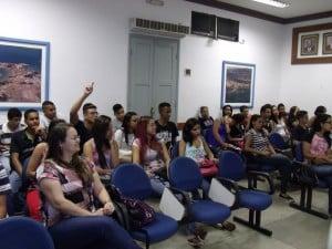 alunos e vereadores debateram vários temas, como turismo e preservação ambiental. Foto: João Thomazelli/Portal 27