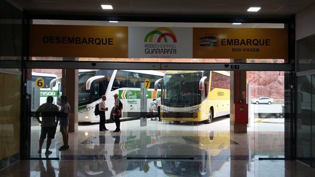 os primeiros ônibus começaram a chegar na manhã de ontem (07). foto: Divulgação