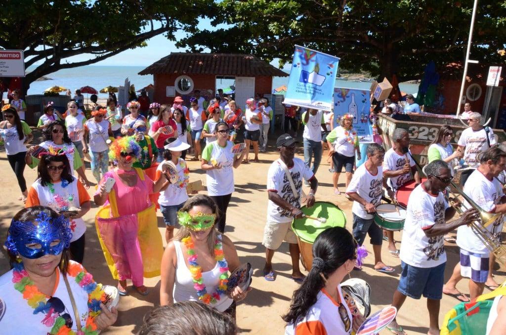 As ruas e avenidas serão tomadas por desfiles de blocos tradicionais do município.
