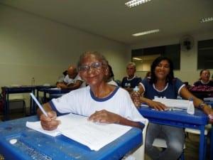 Aos 77 anos dona Maria está cursando a 5ª séria no Eja. foto: João Thomazelli/Portal 27