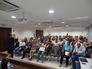Dezenas de moradores compareceram à Audiência Pública realizada na terça-feira (12). foto: João Thomazelli/Portal 27