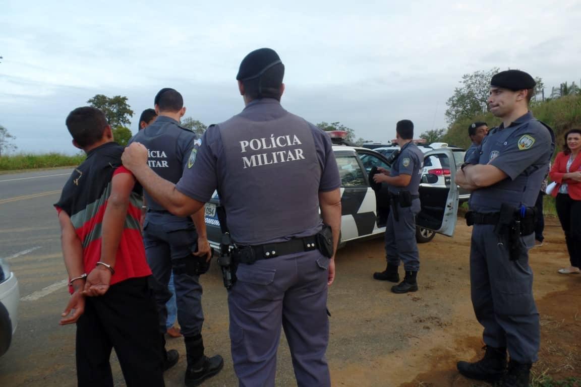 Três adolescentes foram presos depois de assalto em Belo Horizonte, zona rural de Anchieta. Foto: João Thomazelli/Portal 27