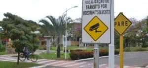 Várias placas serão instaladas na cidade para avisar aos motoristas.