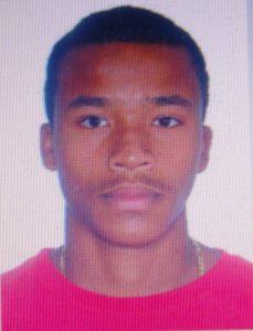 Matheus foi morto a tiros na madrugada de domingo, mas o corpo só foi localizado na manhã seguinte.