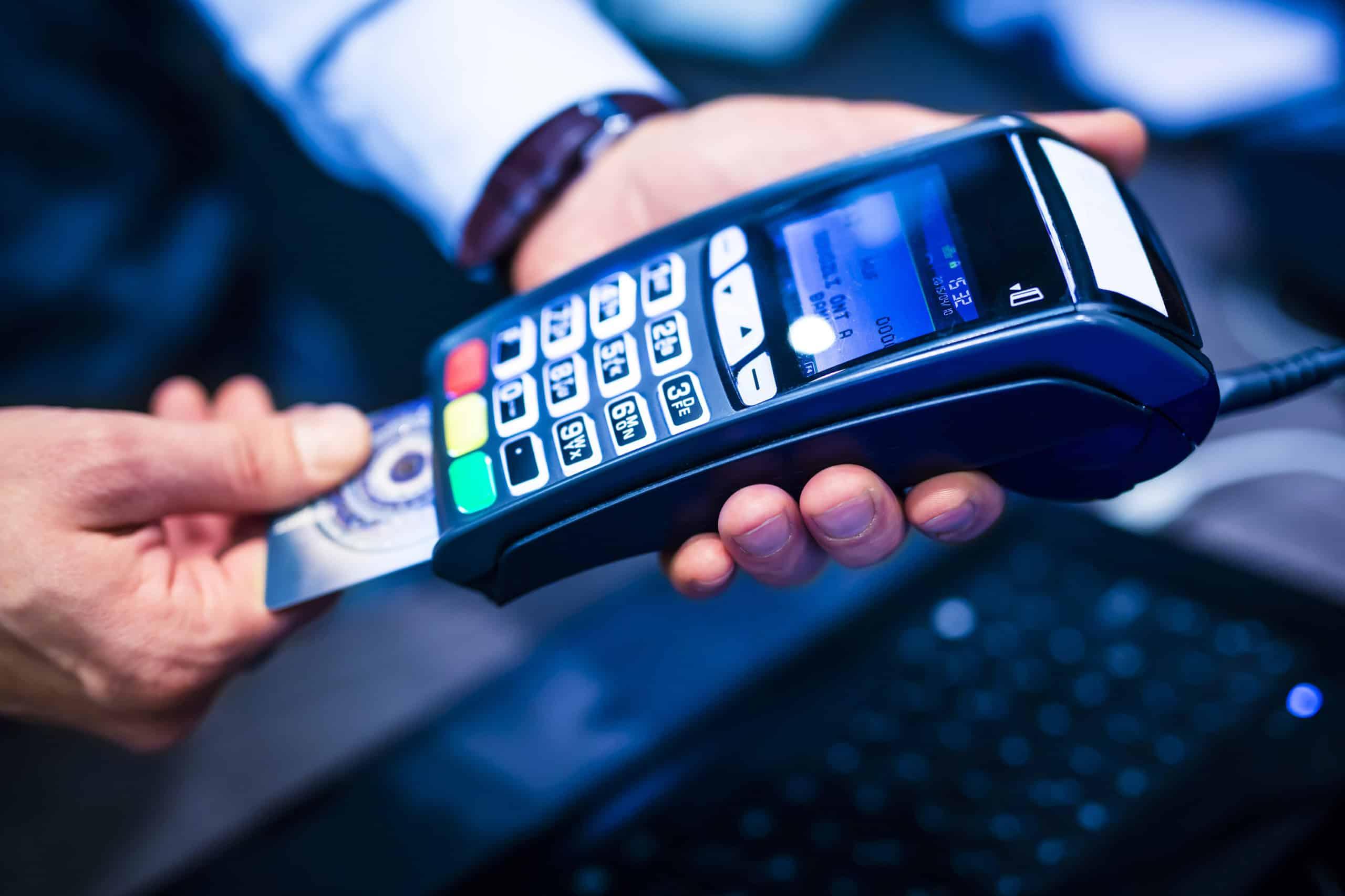 Bureaux de crédito brasileiros cdl bh quase oito milhões de